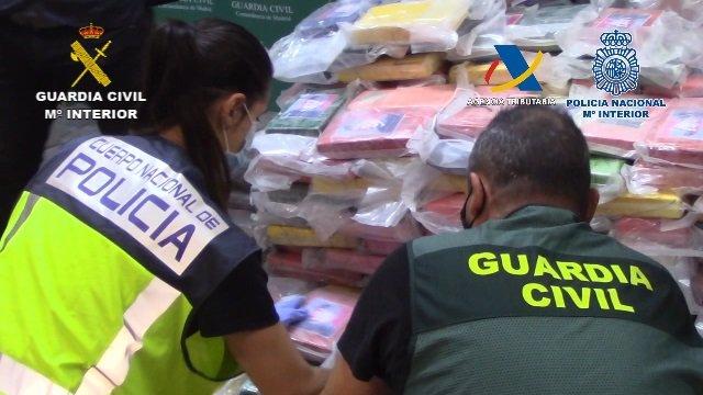 Operación de Policía, Guardia Civil y Agencia Tributaria contra la entrada de cocaína oculta en carbón desde los puertos españoles