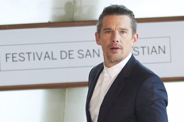 El actor Ethan Hawke este sábado durante la rueda de prensa que ha tenido lugar en el Kursaal de San Sebastián
