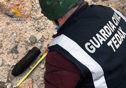 La Guardia Civil destruye un proyectil de artillería encontrado en Limpias