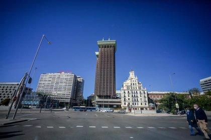 La contratación en el sector de oficinas cae un 50% en Madrid y un 55% en Barcelona en 2020