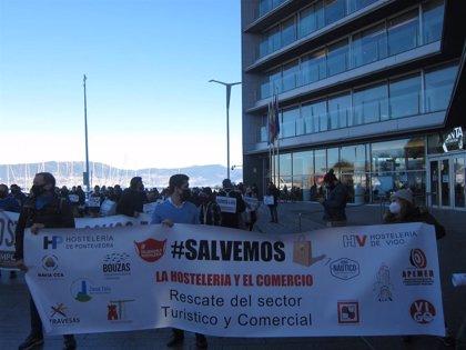 Hosteleros y comerciantes se manifiestan en Vigo para reclamar un rescate apoyado por las distintas administraciones