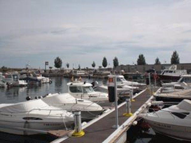 Instal·laciones esportives del Port de Deltebre (Tarragona)