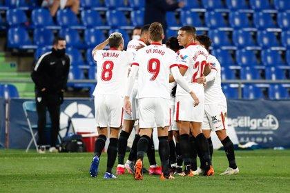 Fútbol/Primera.- (Pre) El Sevilla defiende Europa ante un Alavés herido y Elche y Valladolid buscan eludir el descenso