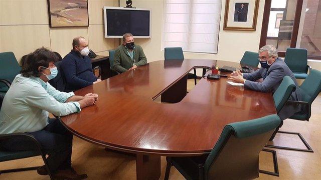 Olona se reune con representantes de la Asociación de Hortelanos y Productores de Zaragoza.