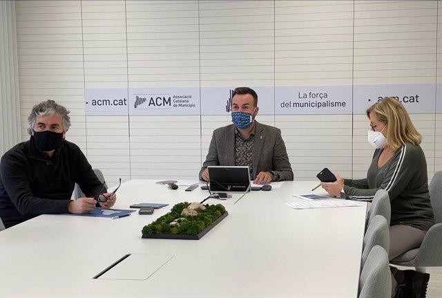 El president de l'ACM, Lluís Soler, en la reunió per acordar la sol·licitud.