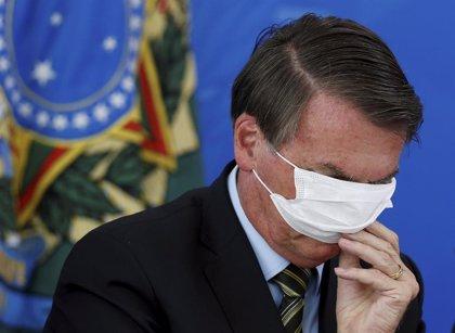 """Coronavirus.- Bolsonaro dice que la eficacia de la vacuna china aprobada por Brasil es """"como tirar una moneda al aire"""""""