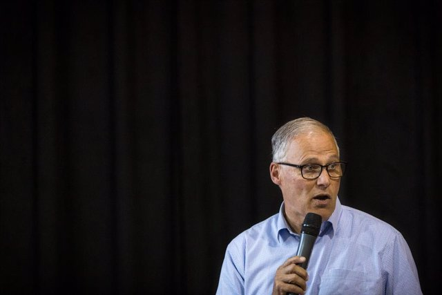 05 August 2019, US, Reno: Democratic presidential candidate and Washington Gov. Jay Inslee speaks in a town hall with Indivisible members and Reno voters at Cathexes Architecture. Photo: Tracy Barbutes/ZUMA Wire/dpa