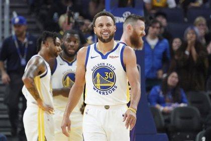 Curry encabeza la gran remontada de los Warriors en Los Ángeles