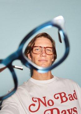 Hawkers se alía con ClinicPoint para facilitar acceso a clientes a sus servicios de óptica y oftalmología