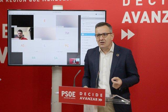 Diego Conesa, durante la rueda de prensa
