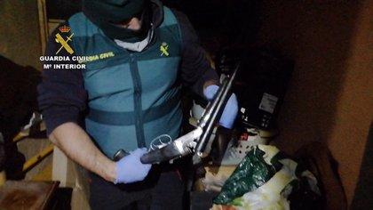 Detienen a 16 personas y desmantelan un grupo criminal dedicado a robos en viviendas y tráfico de drogas en Tenerife