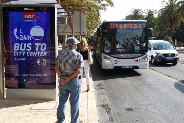 Nuevas marquesinas digitales en Málaga. EMT, autobús