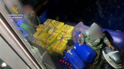 La Guardia Civil intercepta una neumática con una tonelada de hachís en la costa sur de Gran Canaria