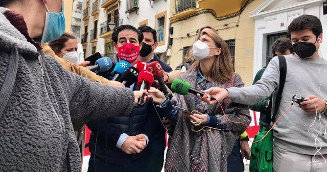 El vicepresidente de Horeca, Antonio Luque, este viernes en Sevilla en declaraciones a los medios.