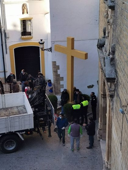 Abogados Cristianos lleva a la vía penal a la alcaldesa de IU en Aguilar de la Frontera (Córdoba) tras derribar la cruz
