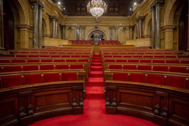 Hemicicle del Parlament buit abans de l'inici d'una sessió plenària. Barcelona, Catalunya (Espanya), 7 de juliol del 2020.