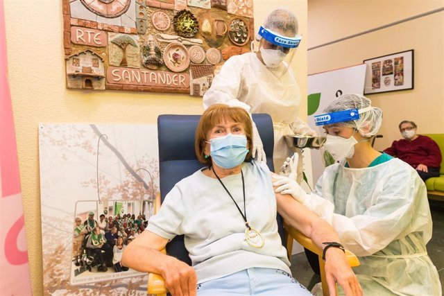 Vacuna en residencias de mayores en Cantabria