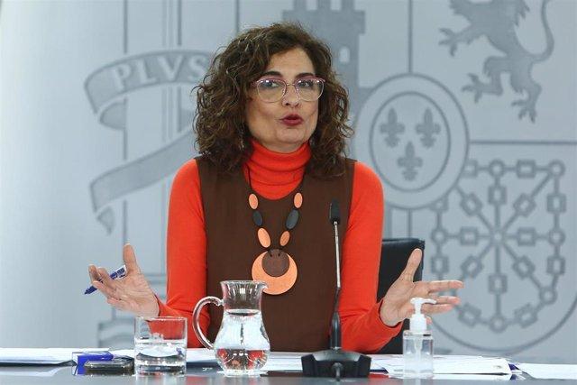 La ministra de Hacienda, María Jesús Montero durante una rueda de prensa convocada ante los medios posterior al Consejo de Ministros, en La Moncloa, Madrid, (España), a 12 de enero de 2021.