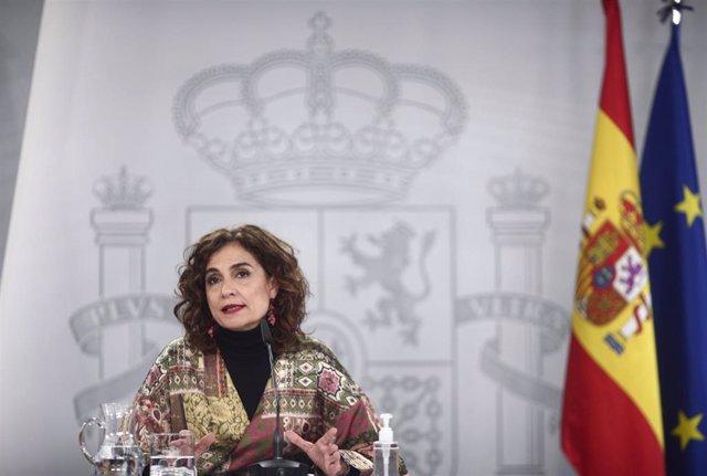 La ministra portavoz y de Hacienda, María Jesús Montero, durante una rueda de prensa convocada ante los medios posterior al Consejo de Ministros, en Madrid, a 19 de enero de 2021. El Consejo de Ministros ha aprobado este martes la declaración de Zona Afec