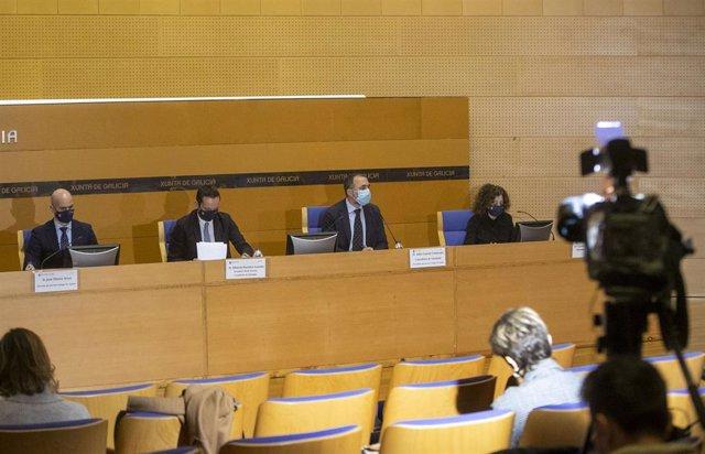 Rueda de prensa de autoridades sanitarias gallegas tras el comité clínico.