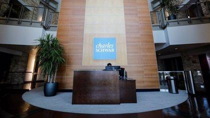 Charles Schwab gana más de 2.500 millones en 2020, un 13,7% menos
