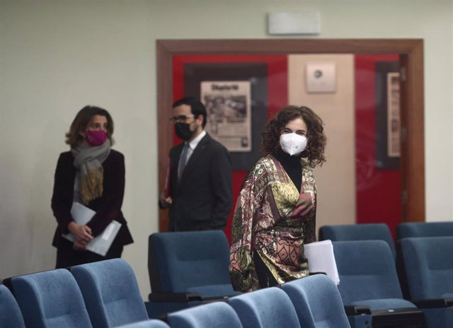 La ministra portavoz y de Hacienda, María Jesús Montero, a su llegada a una rueda de prensa convocada ante los medios posterior al Consejo de Ministros, en Madrid, a 19 de enero de 2021