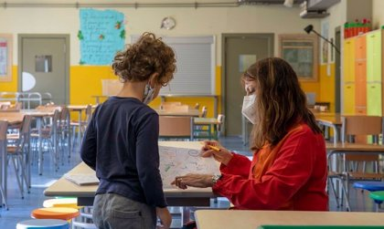"""Sindicatos y familias ven """"falta de planificación"""" en la ventilación de las aulas"""