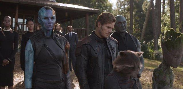 Héroes de Marvel en el funeral de Tony Stark en Vengadores: Endgame