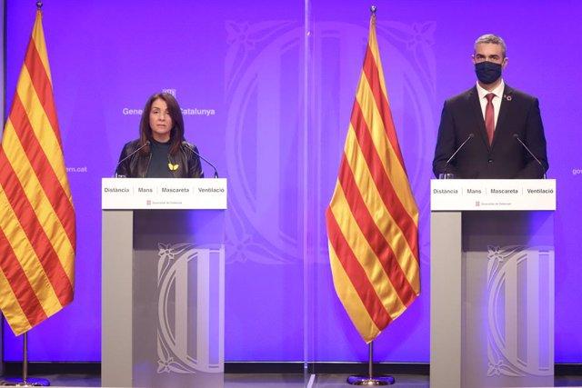 La portaveu del Govern, Meritxell Budó, i el conseller d'Acció Exterior, Bernat Solé