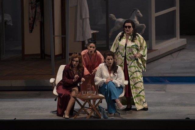 Pase gráfico de la ópera 'Falstaff', de Verdi en El Palau de les Arts Reina Sofía, en València.
