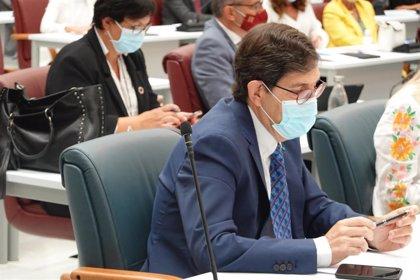 Ciudadanos pide la dimisión de Villegas como consejero de Salud de Murcia por vacunarse contra la Covid-19