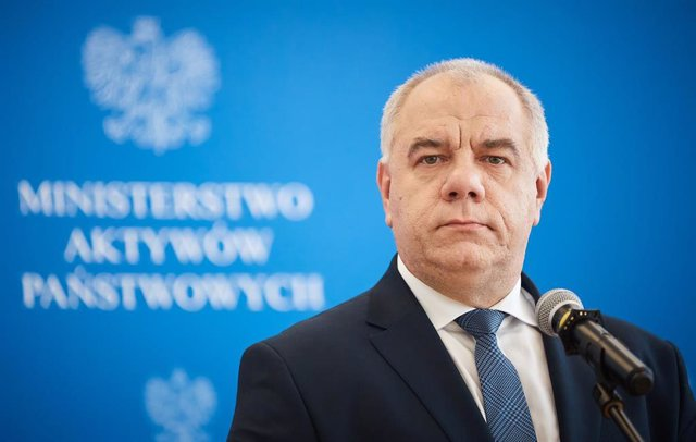 15 June 2020, Poland, Warsaw: Poland's Deputy Prime Minister Jacek Sasin holds a press conference with Minister of Investment and Development Jerzy Kwiecinski (Not Pictured) over the signing of an annex to the natural gas supply contract between PGNiG and