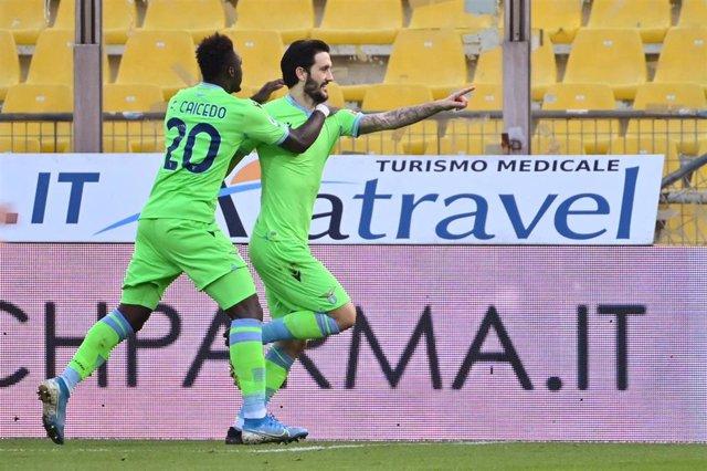 Luis Alberto celebrando un gol con la Lazio junto a Caicedo