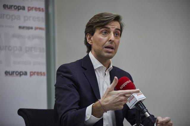 El vicesecretario de Comunicación del PP, Pablo Montesinos, durante una entrevista para Europa Press en la sede de la agencia, en Madrid (España), a 3 de diciembre de 2020.