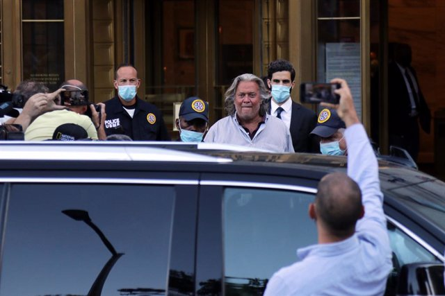 20 August 2020, US, New York: USPresident Donald Trump's former political adviser Steve Bannon, departs the US Federal Courthouses in Lower Manhattan, following his indictment for defrauding donors through an online crowdfunding campaign that raised over