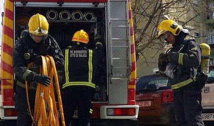 Hallan calcinados los cadáveres de dos personas en el incendio de una vivienda de chapa en Málaga