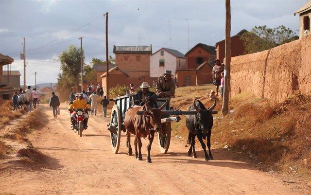 Vista de una calle en los alrededores de la capital de Madagascar, Antananarivo