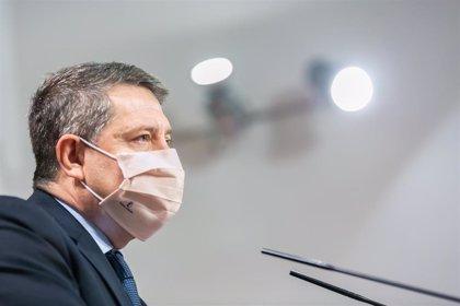 """Presidente C-LM evita polemizar por los políticos que se adelantan al protocolo para vacunarse: """"No es un drama"""""""