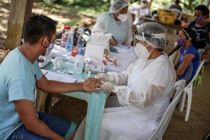 Coronavirus.- Llegan a la ciudad brasileña de Manaos los camiones con oxígeno donados por Venezuela