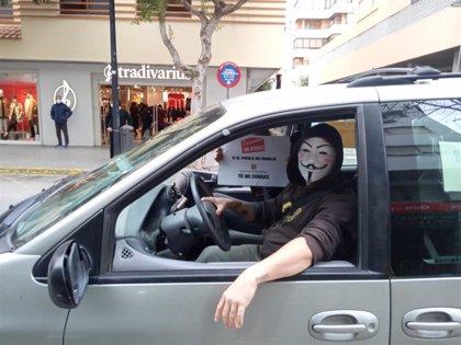 Unos 30 vehículos recorren Ibiza exigiendo ayudas para el sector de la hostelería