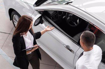 Solo un 19% de mujeres ostenta la gerencia de un concesionario de automóviles, según Faconauto