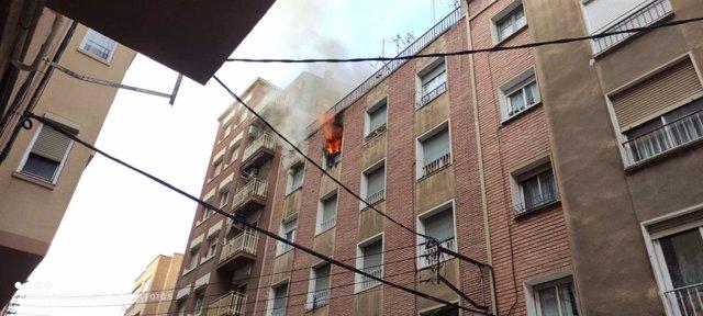 Incendi al carrer Tamarit de Llitera de Lleida.