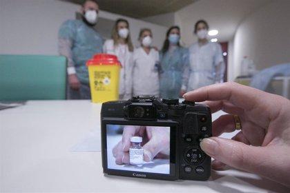 La vacuna de Pfizer y BioNTech parece efectiva contra la cepa de Reino Unido, según estudios preliminares