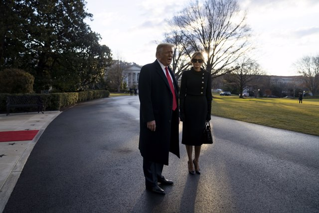 Donald y Melania Trump abandonan la Casa Blanca, a 20 de enero de 2021
