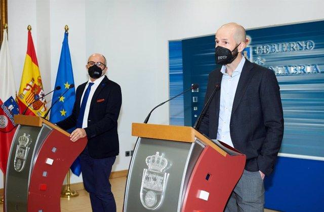 El consejero de Sanidad y el director general de Salud Pública, Miguel Rodríguez y Reinhard Wallmann, respectivamente