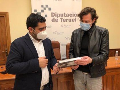 'Buñuel, una maleta sin viaje', un libro de imágenes de Miguel Sebastián sobre la vida del cineasta, editado por el IET