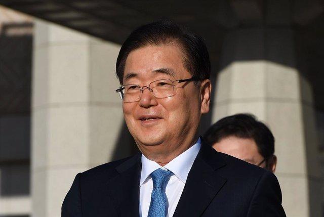 Chung Eui Yong en una visita a Corea del Norte.