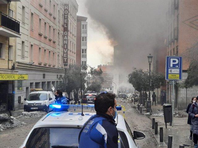 Una forta explosió al carrer Toledo de Madrid destrueix tres plantes d'un edifici