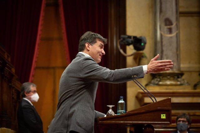 El president d'ERC al Parlament, Sergi Sabrià, durant la Diputació Permanent del Parlament.