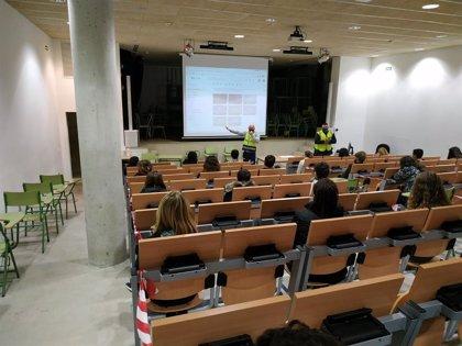 Cerca de 4.000 alumnos de Baleares participan en talleres para prevenir la transmisión de la Covid-19
